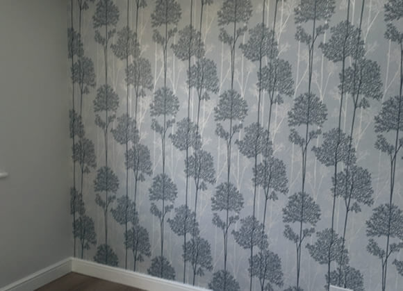 decorating bolton professional wallpapering